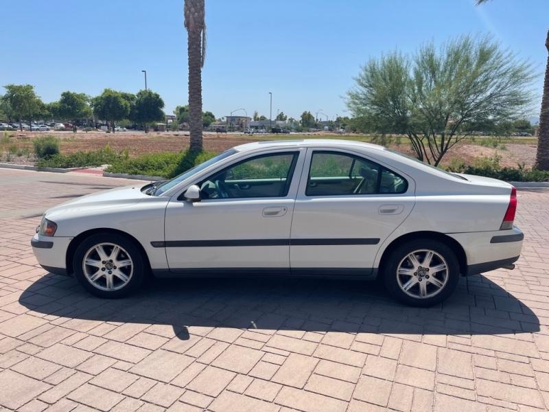 VOLVO S60 2002 price $2,995