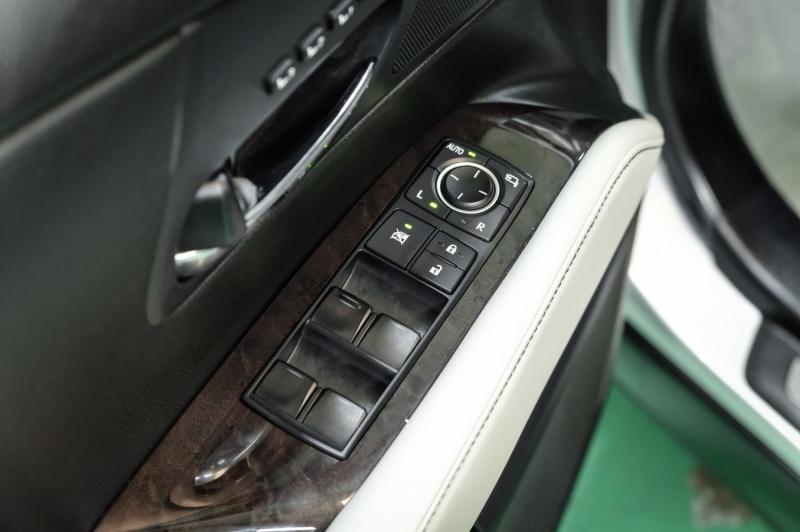 Lexus RX 350 2013 price $16,990
