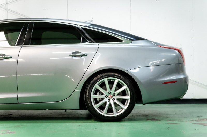 Jaguar XJ 2015 price $23,490