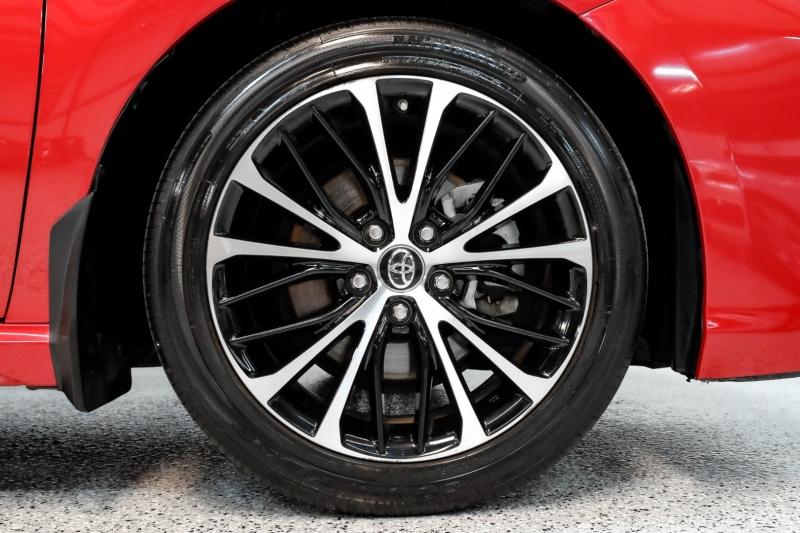 Toyota Camry 2019 price $22,490