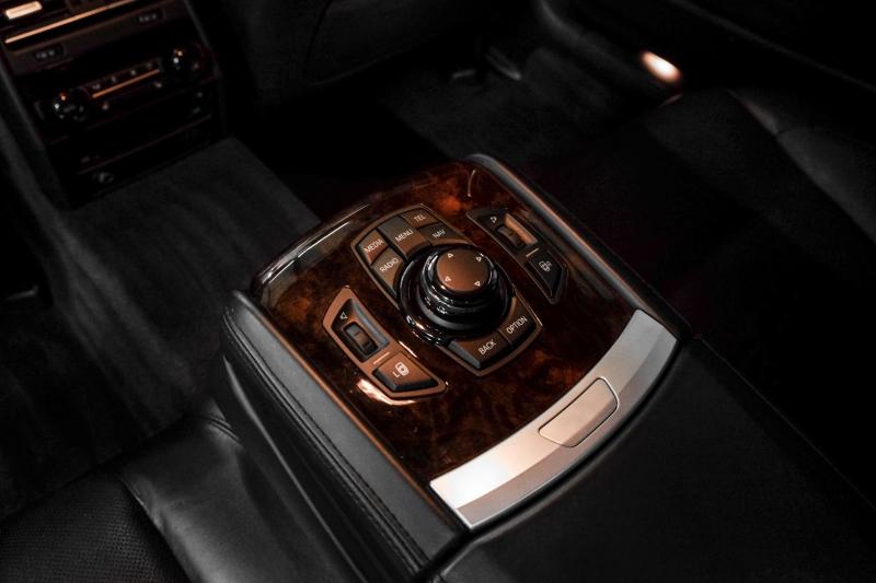 BMW 7-Series 2013 price $25,990
