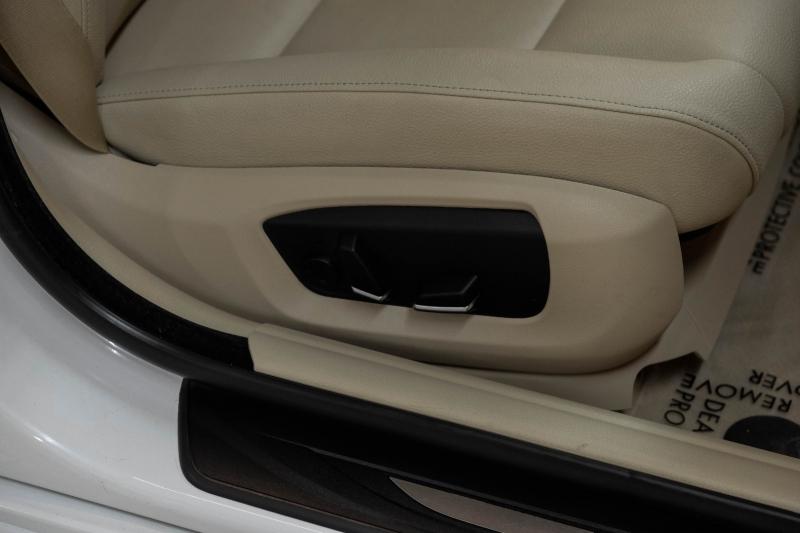 BMW 5-Series 2015 price $18,990