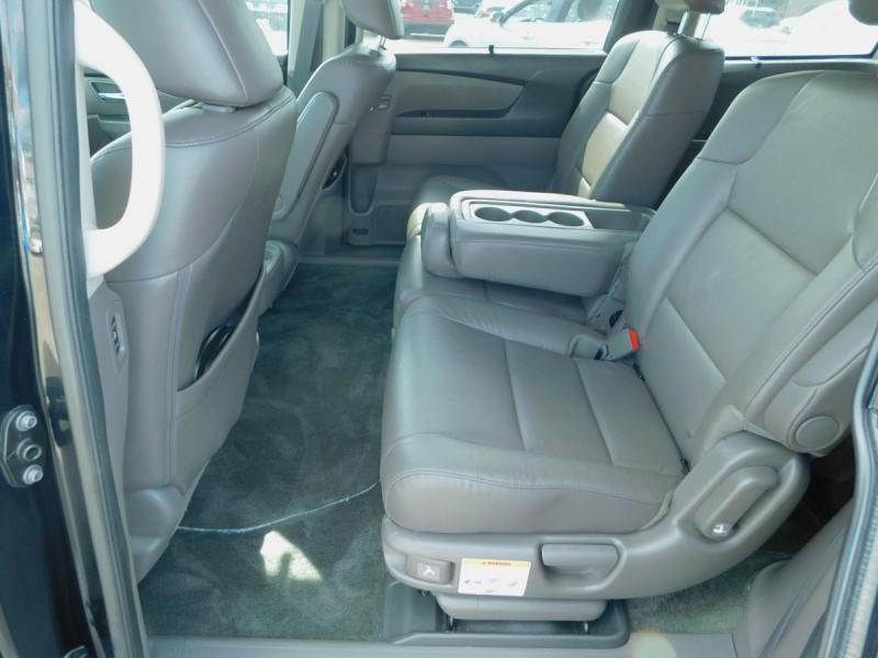 Honda Odyssey 2016 price $21,800