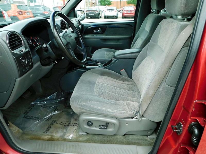 GMC Envoy 2003 price $5,800