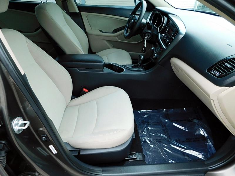 Kia Optima 2014 price $11,800