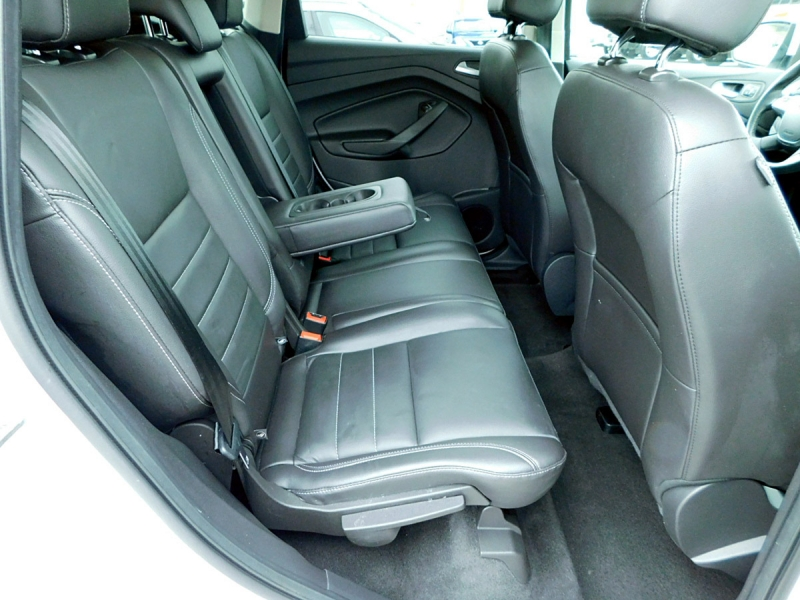 Ford Escape 2016 price $15,800