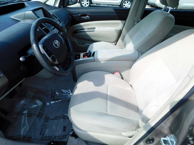 Toyota Prius 2007 price $6,900