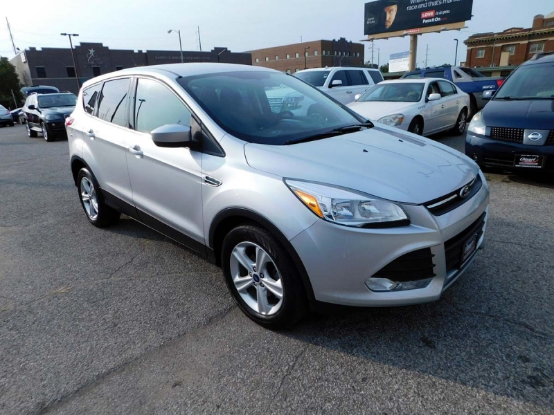 Ford Escape 2015 price $15,700