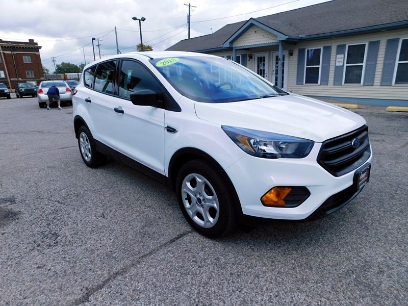 Ford Escape 2018 price $14,800