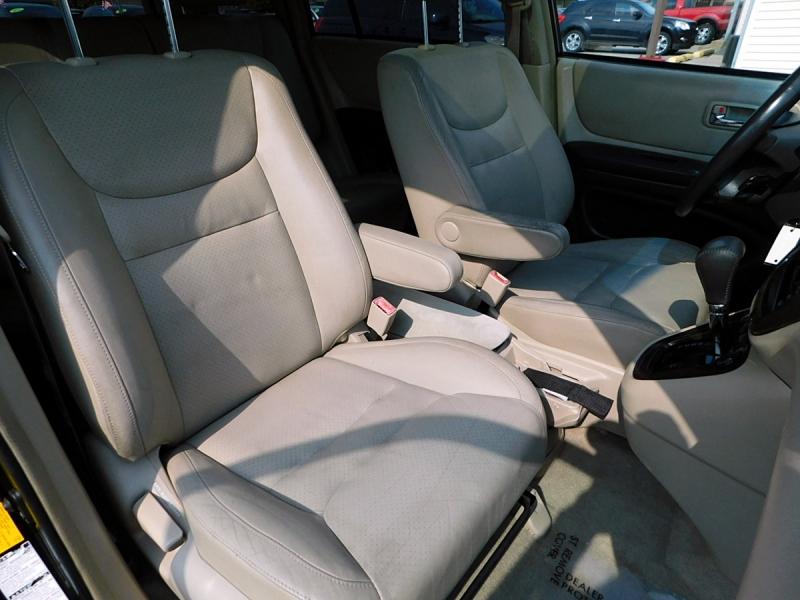 Toyota Highlander 2001 price $5,400