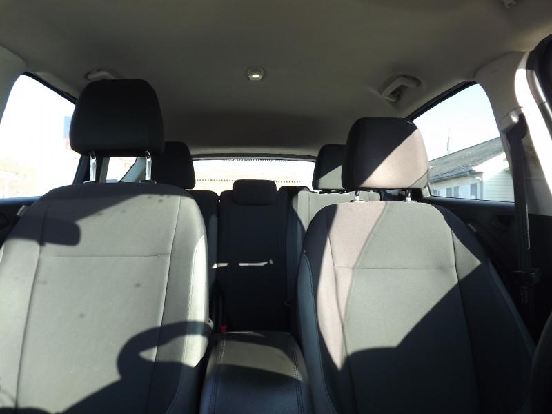 Hyundai Elantra 2019 price $15,800