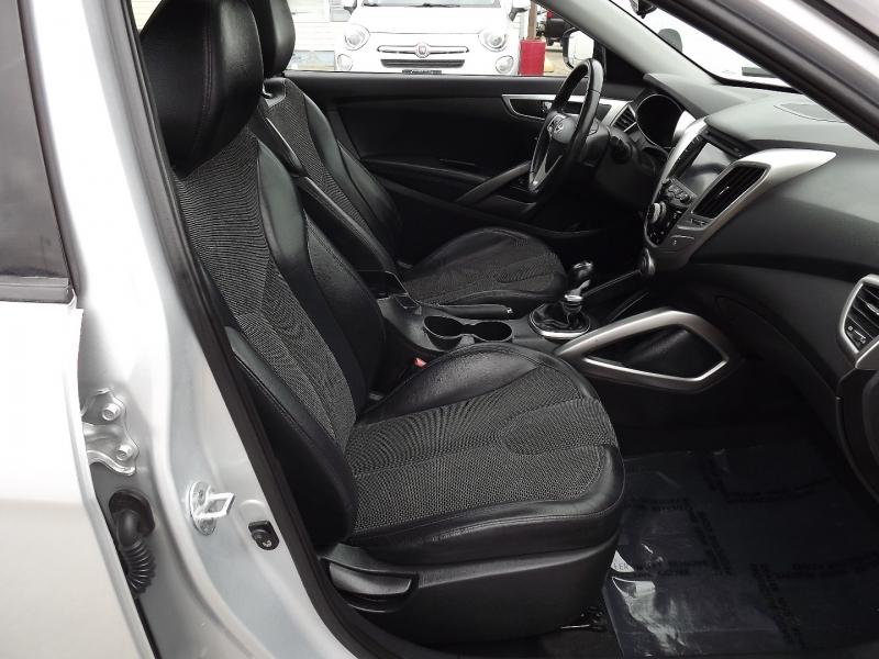 Hyundai Veloster 2012 price $7,400