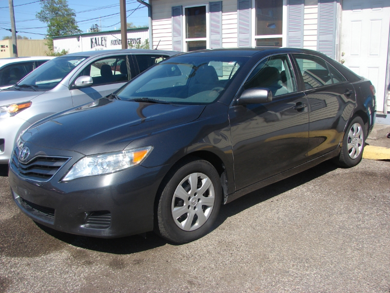 Toyota Camry Hybrid 2011 price $8,800