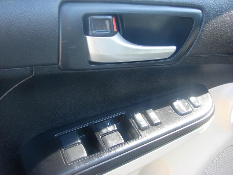 Toyota Camry 2012 price $9,200