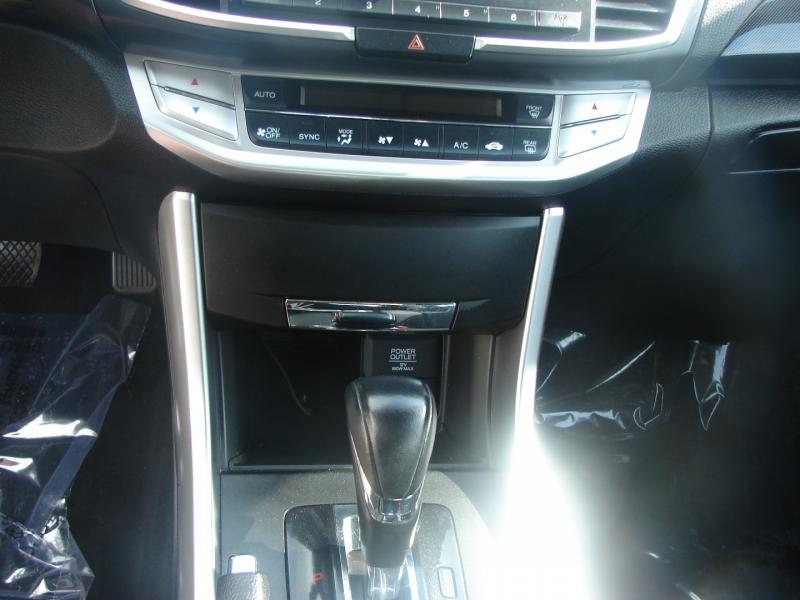 Honda Accord Sedan 2015 price $16,400