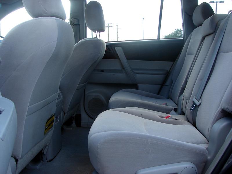 Toyota Highlander 2008 price $8,800