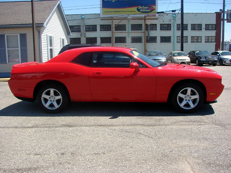 Dodge Challenger 2010 price $13,800