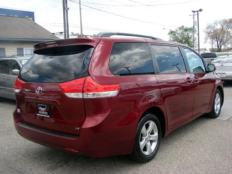 Toyota Sienna 2011 price $10,400