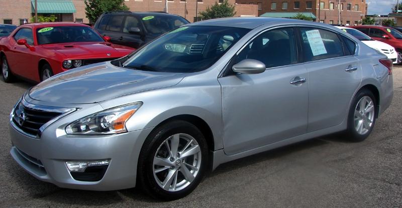 Nissan Altima 2013 price $10,200