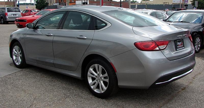 Chrysler 200 2015 price $14,400