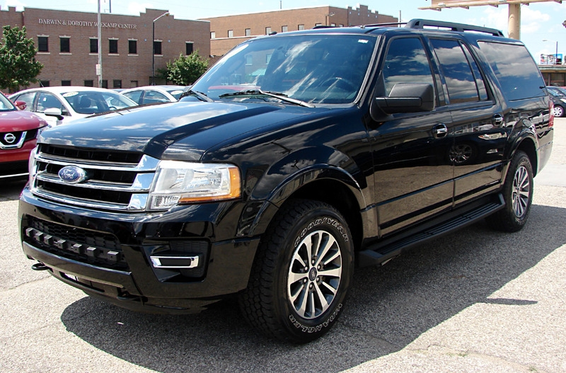 Ford Expedition EL 2017 price $25,800