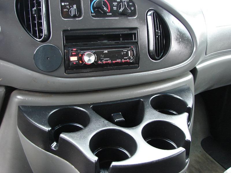 Ford Econoline Wagon 2007 price $9,800