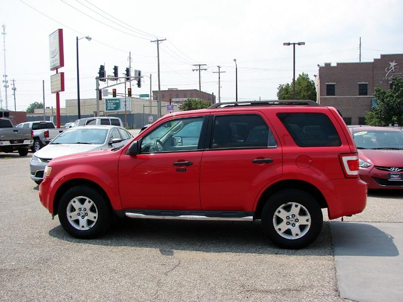 Ford Escape 2009 price $7,800