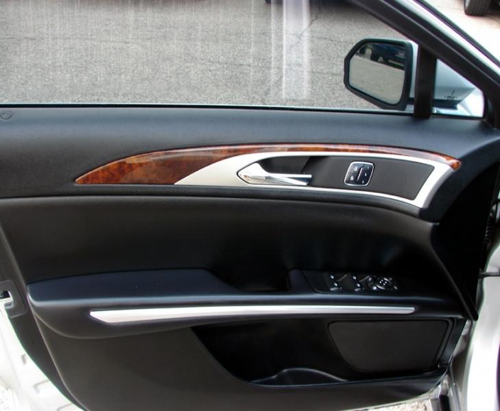 Lincoln MKZ 2016 price $18,400