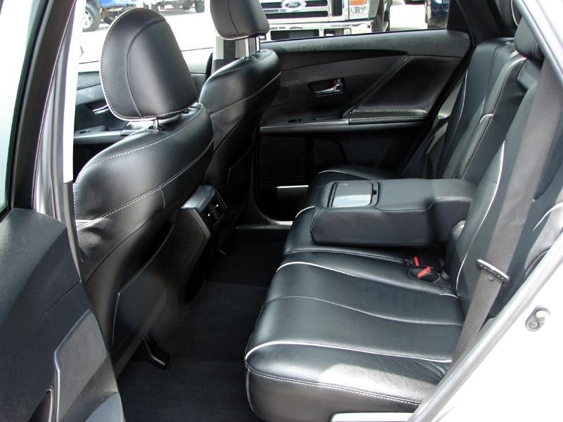 Toyota Venza 2013 price $17,800
