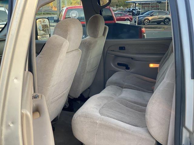 Chevrolet Silverado 2500 HD Crew Cab 2002 price $17,995