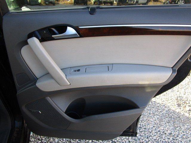 Audi Q7 2012 price $11,777