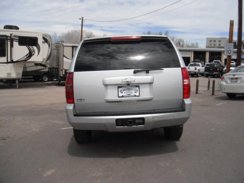 Chevrolet Suburban 2011 price $8,777