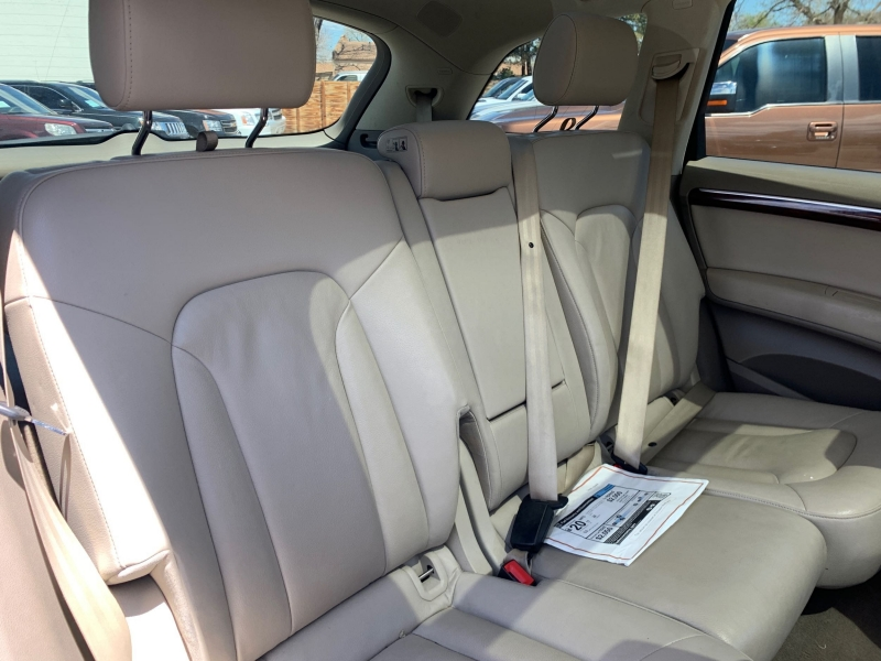 Audi Q7 2011 price $13,777