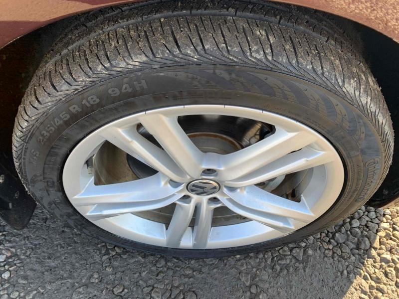 Volkswagen Passat 2014 price $12,777