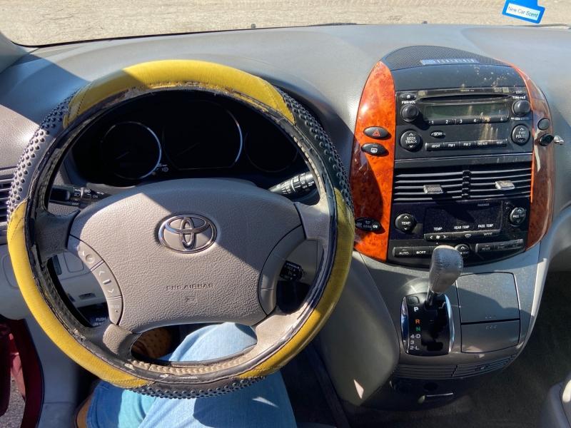Toyota Sienna 2006 price $4,750