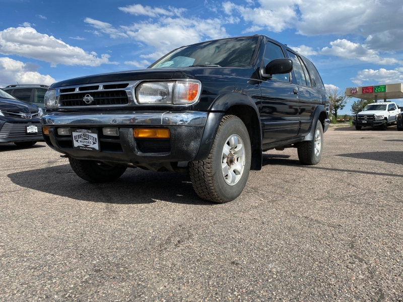 Nissan Pathfinder 1999 price $4,900