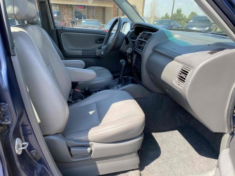 Chevrolet Tracker 2002 price $5,900