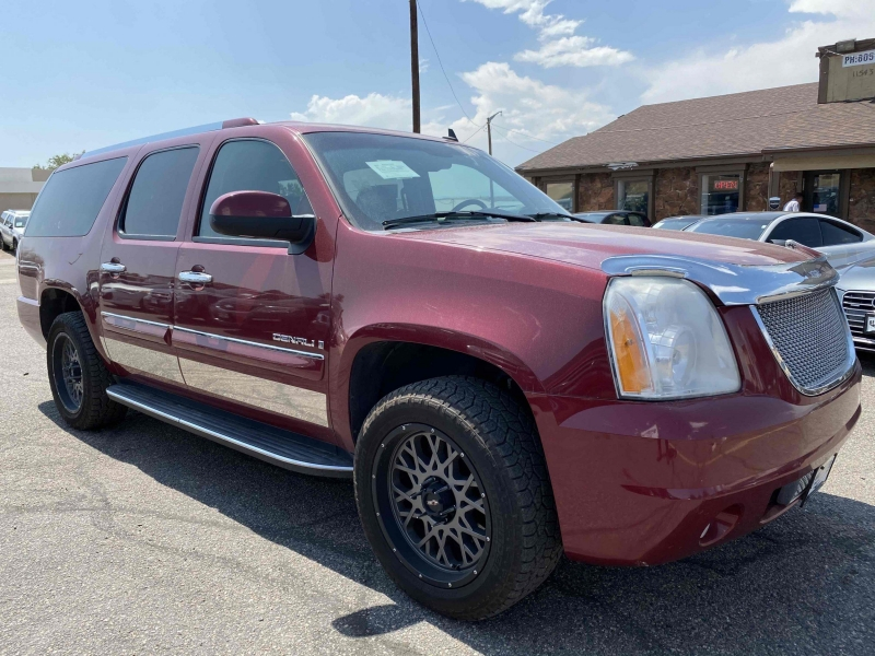 GMC Yukon XL 2007 price $10,900