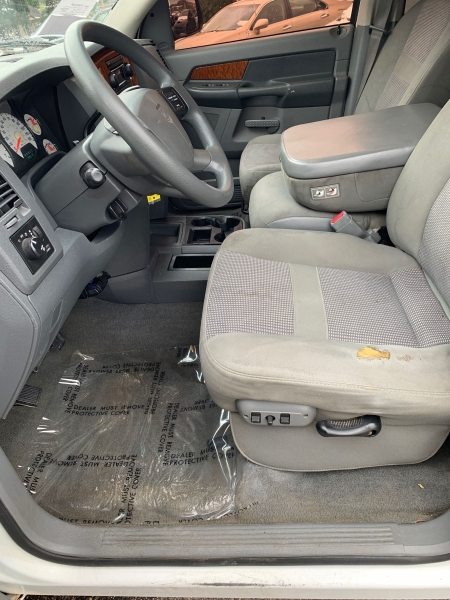 Dodge Ram Pickup 1500 2006 price $10,995
