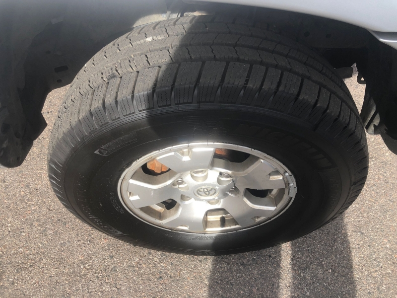 Toyota Tacoma 2005 price $15,995