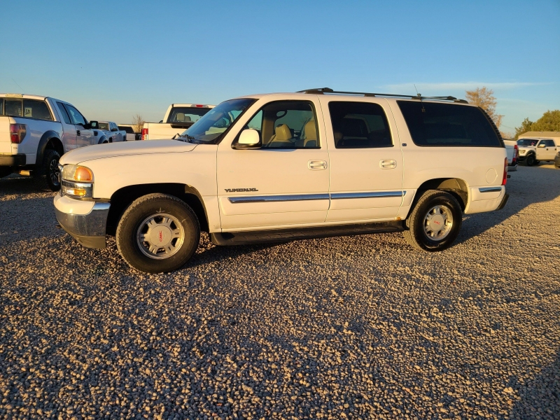 GMC Yukon XL 2000 price $4,995
