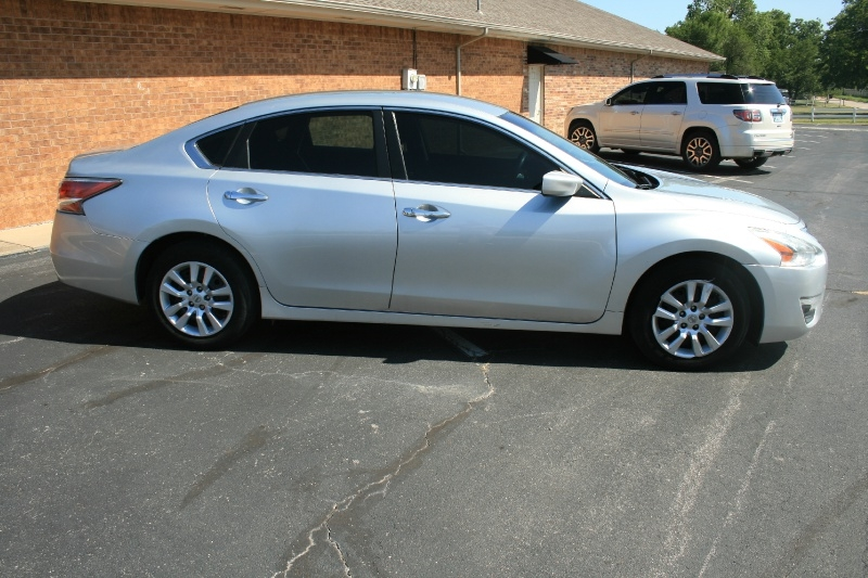 Nissan Altima 2014 price $5,950 Cash