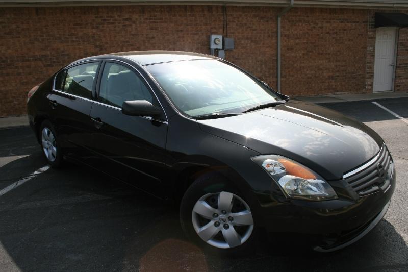 Nissan Altima 2007 price $3,995 Cash