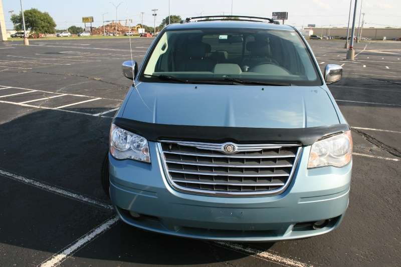 Chrysler Town & Country 2010 price $4,995 Cash