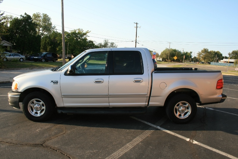 Ford F-150 2002 price $4,350 Cash