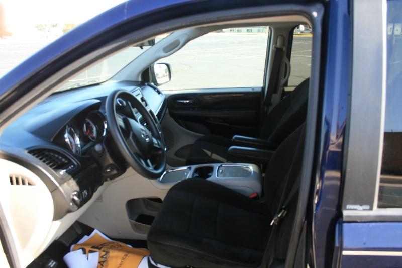 Dodge Grand Caravan 2012 price $5,850 Cash