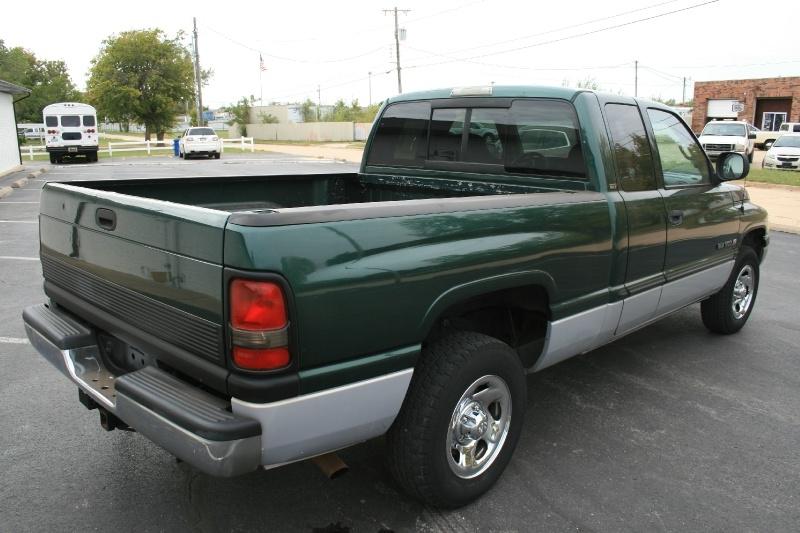 Dodge Ram 1500 2000 price $4,450 Cash