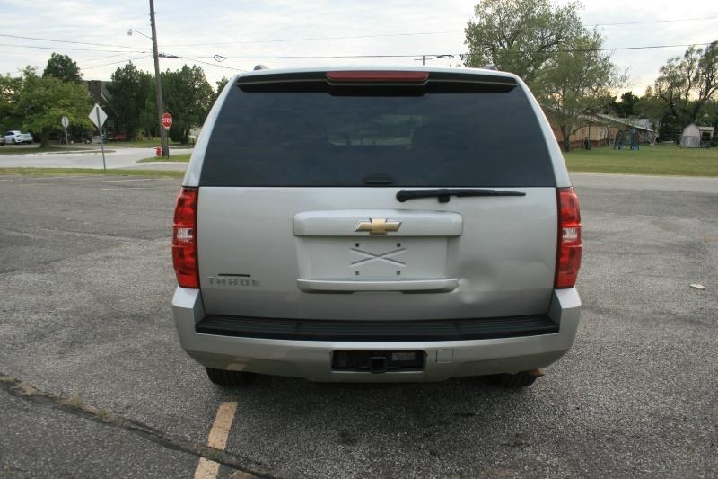 Chevrolet Tahoe 2009 price $8,950 Cash