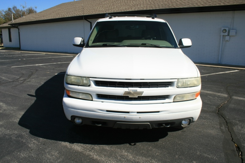 Chevrolet Tahoe 2003 price $5,450 Cash