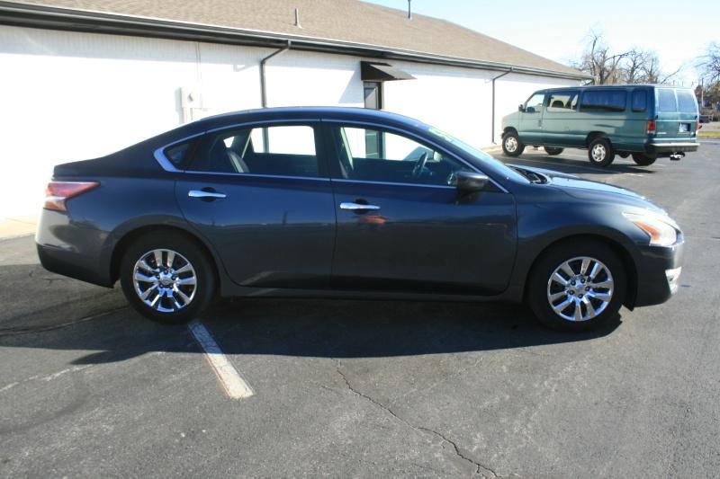 Nissan Altima 2013 price $5,995 Cash